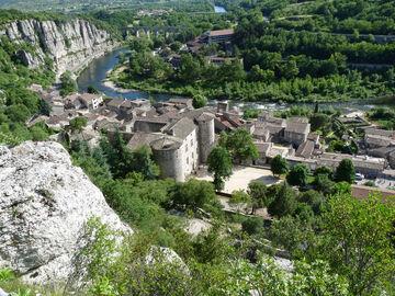 Photo Visite guidée du village de Vogüé en juillet et août