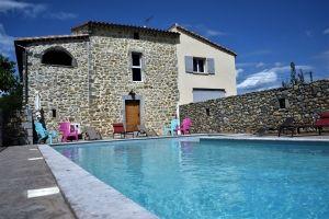 La piscine du Domaine de Miegessolle