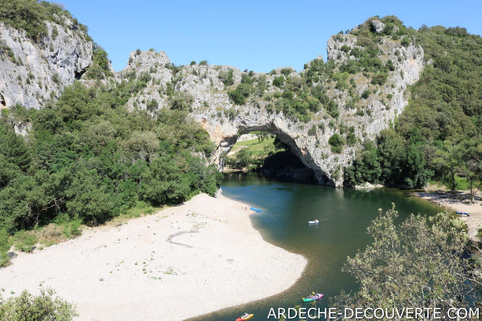 Le Pont D Arc En Ardeche A Vallon Pont D Arc