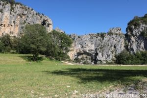 Vue sur le Pont d'Arc en Sud Ardèche